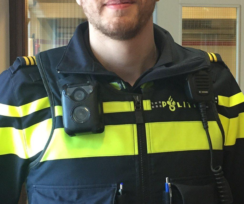 Bild eines Polizisten mit Bodycam